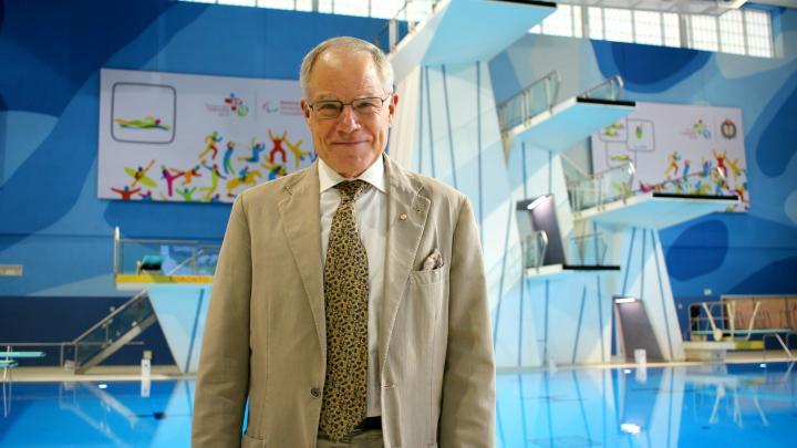 Dr. Bruce Kidd